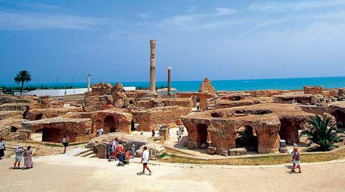 败告终,迦太基城也被夷为废墟,巍峨的皇宫、繁荣的市井、固...