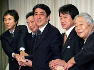 安倍今日正式出任日本首相 任命自民党二号人物
