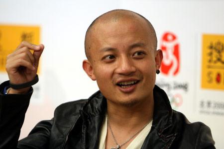 熊汝霖做客搜狐自揭老底:啤酒喝两杯就歇菜!