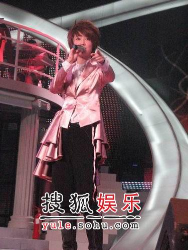 刘力扬艾梦萌PK同一首歌 模拟PK谭维维出局