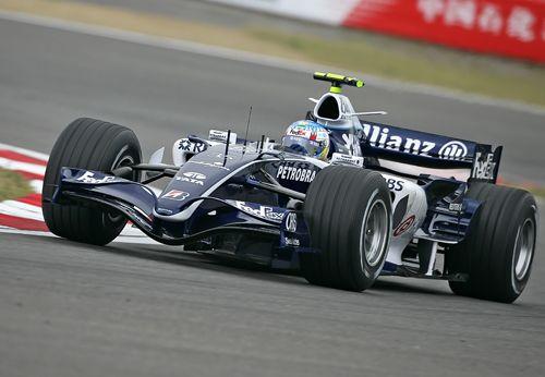 图文:F1中国大奖赛周五练习 伍尔兹在比赛