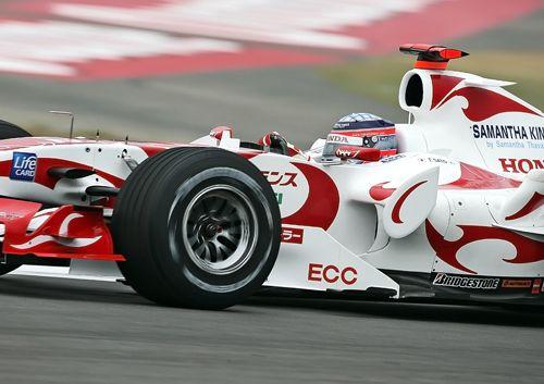 图文:F1中国大奖赛周五练习 佐藤琢磨在比赛中