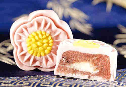 月饼 造型/樱花造型美在外观...