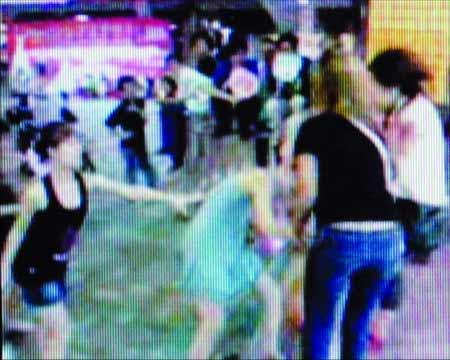 佛山暴力视频打人者浮出水面:拍摄者系其男友(组图)