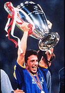 皮耶罗俱乐部荣誉一览 弱冠之年即捧得意甲冠军