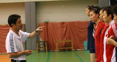 """女排训练直击:世锦赛重压之下忠和很""""上火"""""""