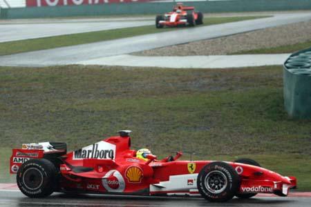 图文:F1中国大奖赛排位赛 蒙泰罗冲出赛道