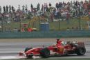 图文:舒马赫获F1中国站冠军 马萨在比赛中