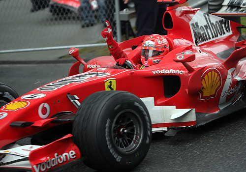 图文:舒马赫获F1中国站冠军 永远的冠军