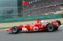 图文:舒马赫获F1中国站冠军 车王在比赛中