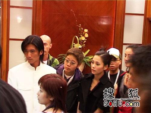"""""""秋晚""""落幕 谢霆锋张柏芝""""婚礼""""落空(图)"""