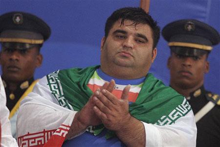 图文:06举重世锦赛 哈桑-雷扎德为伊朗赢荣誉