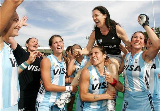 06女曲世界杯:荷兰七度登顶 奥运冠军落魄收场