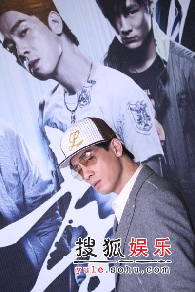 陈小春黯然祝福谢霆锋 改口称张柏芝为谢太太