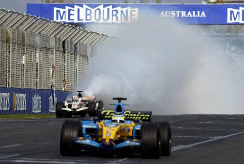 回顾2006赛季F1爆缸事故 巴顿曾在终点线前退出