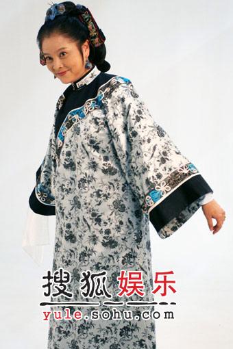 """徐帆新戏得""""戒烟"""" 冯远征夫妻恩爱相随(图)"""