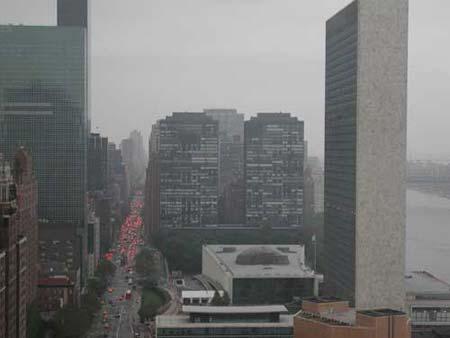 小飞机撞上纽约一座大楼 事故与恐怖袭击无关