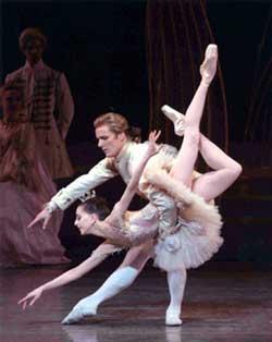 纽芭明星拉斯-马汀回忆与芭蕾大师的不解之缘