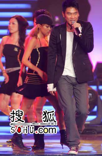 内地最受欢迎男歌手-林依轮