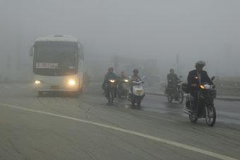 昨晨,海安县城被大雾笼罩,有的地方能见度不足10米.徐劲柏摄