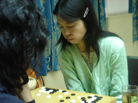 两对夫妻齐上阵两重天 常昊爱女学围棋需请人教
