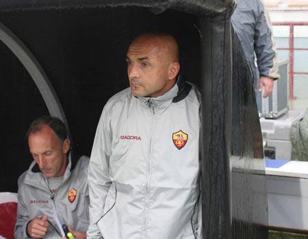 图文:意甲雷吉纳1-0胜罗马 这球踢得太窝囊