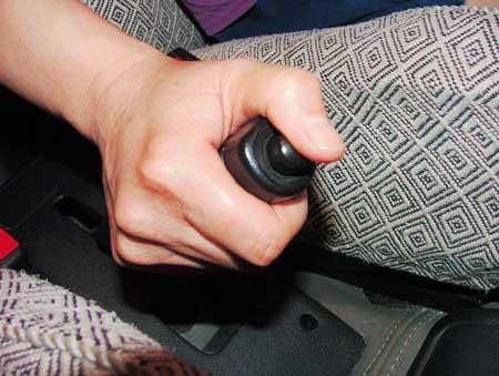 汽车养护--如何检查汽车手刹(图)-搜狐汽车