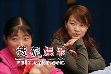 """马艳丽代言""""幸福母亲"""" 陈明很热心公益活动"""