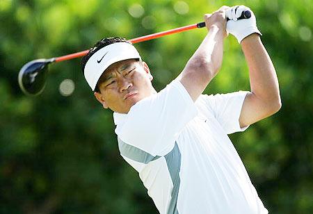 韩国高尔夫球明星:崔京周(K J Choi)
