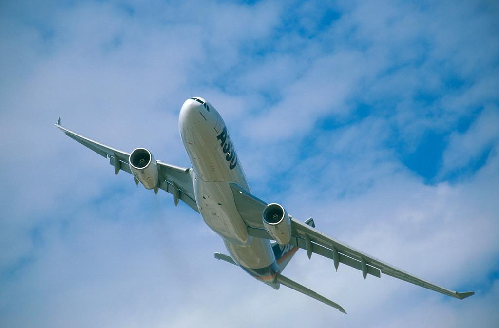 空客a330;; 中国百慕大魔鬼三角; 空客a-330图片