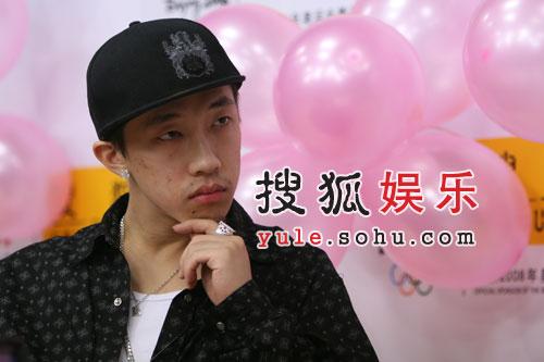 罗开元搜狐畅谈HIP-HOP 自爆童年生活(组图)