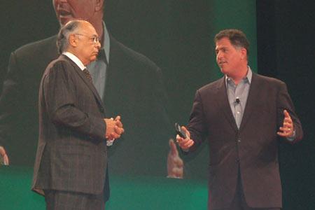 AMD总裁与戴尔握手 宣传短片不忘讽刺英特尔
