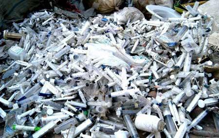 废物回收可怕黑幕 带菌医疗垃圾被制造成食品袋