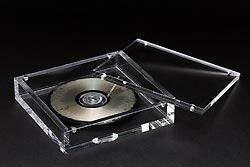 7000元一张 世界首款全玻璃造CD问世