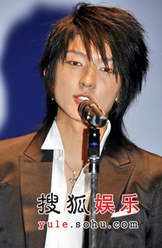 组图:《王的男人》特别放映 李俊基亮相东京