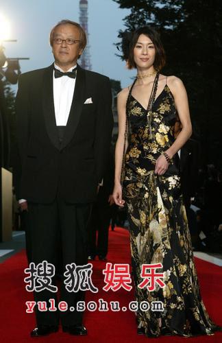组图:东京电影节开幕式红地毯明星秀