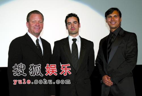 组图:东京电影节开幕片《父辈的旗帜》上映