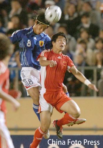 图文:对抗赛国奥0-2不敌日本 双方争顶