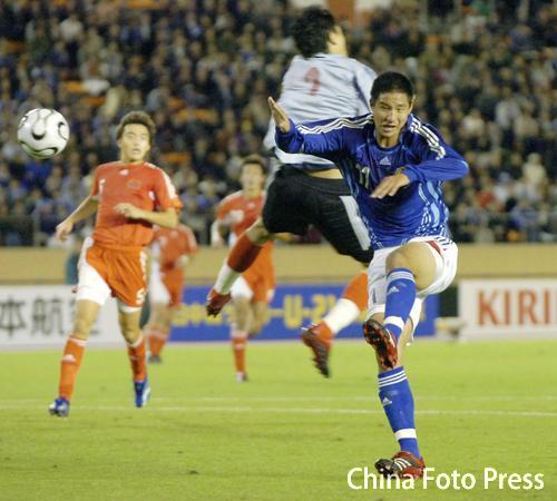 图文:对抗赛国奥0-2不敌日本 王大雷出击失误
