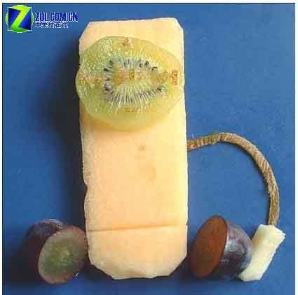 瓜、猕猴桃还有葡萄做成的,是水 西式ipod甜点   这款播放器的颜色图片