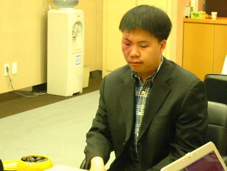 组图:第11届LG杯八强战开赛 谢赫对阵周俊勋