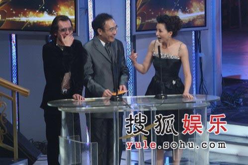 李咏台上打趣:蒋勤勤的肚是尖的还是圆的?