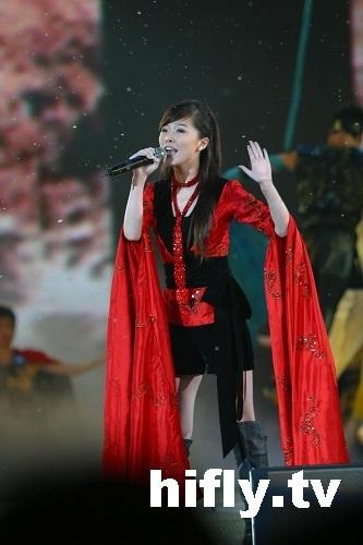 金鹰节超级演唱会精彩图片-唐笑