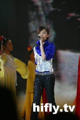 金鹰节超级演唱会精彩图片-张亚飞