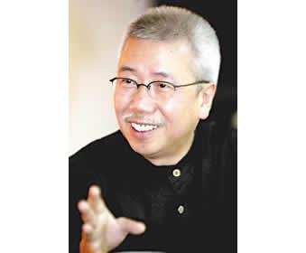 长江艺术设计学院院长、设计大师靳埭强座谈录