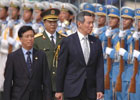 新加坡总理李显龙抵达南宁