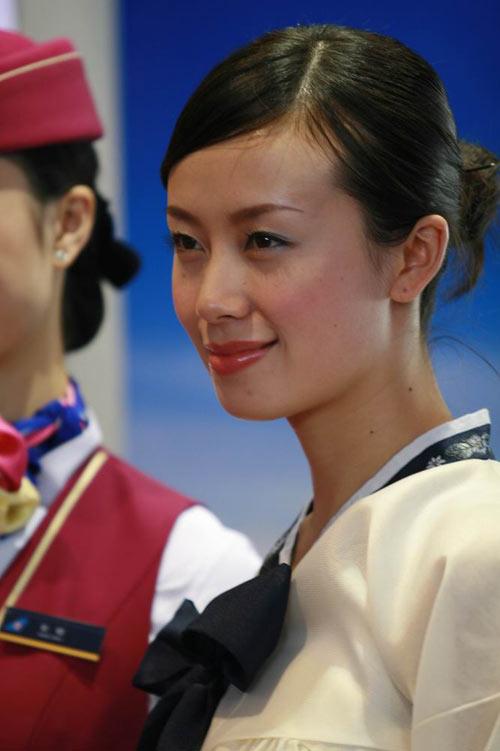 组图:美女身穿朝鲜传统服饰 搜狐军事频道