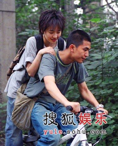 《十三棵泡桐》刘欣东京归来 独特个性受推崇
