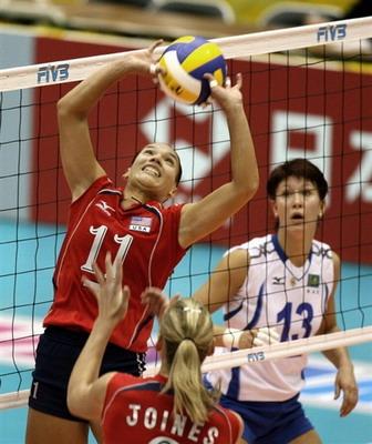 图文:世锦赛美国3-2哈萨克斯坦 桑托斯在组织