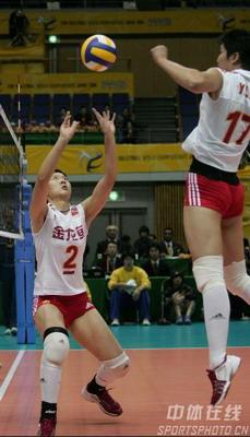 图文:女排世锦赛3-0多米尼加 中国队组织进攻